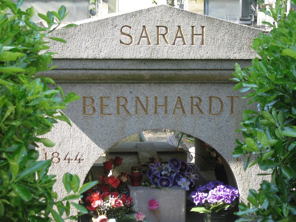 Sarah_Bernhardt_Pere_Lachaise