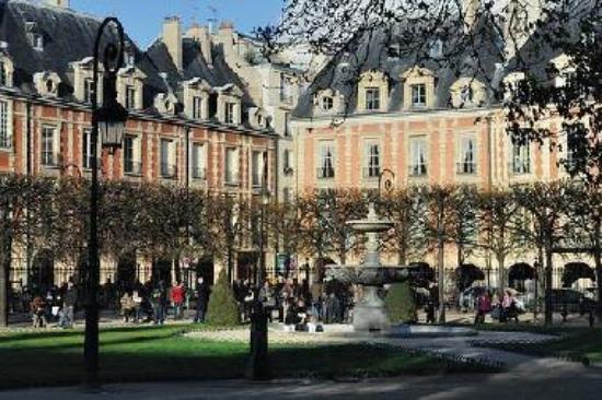 Promenade dans les jardins du Marais
