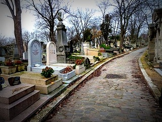 Visite du cimetière du Père-Lachaise.