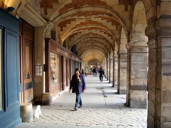 Promenade historique et architecturale dans le quartier du Marais