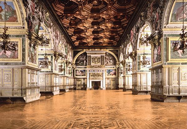 Le château de Fontainebleau:«La vraie demeure des rois, la maison des siècles»