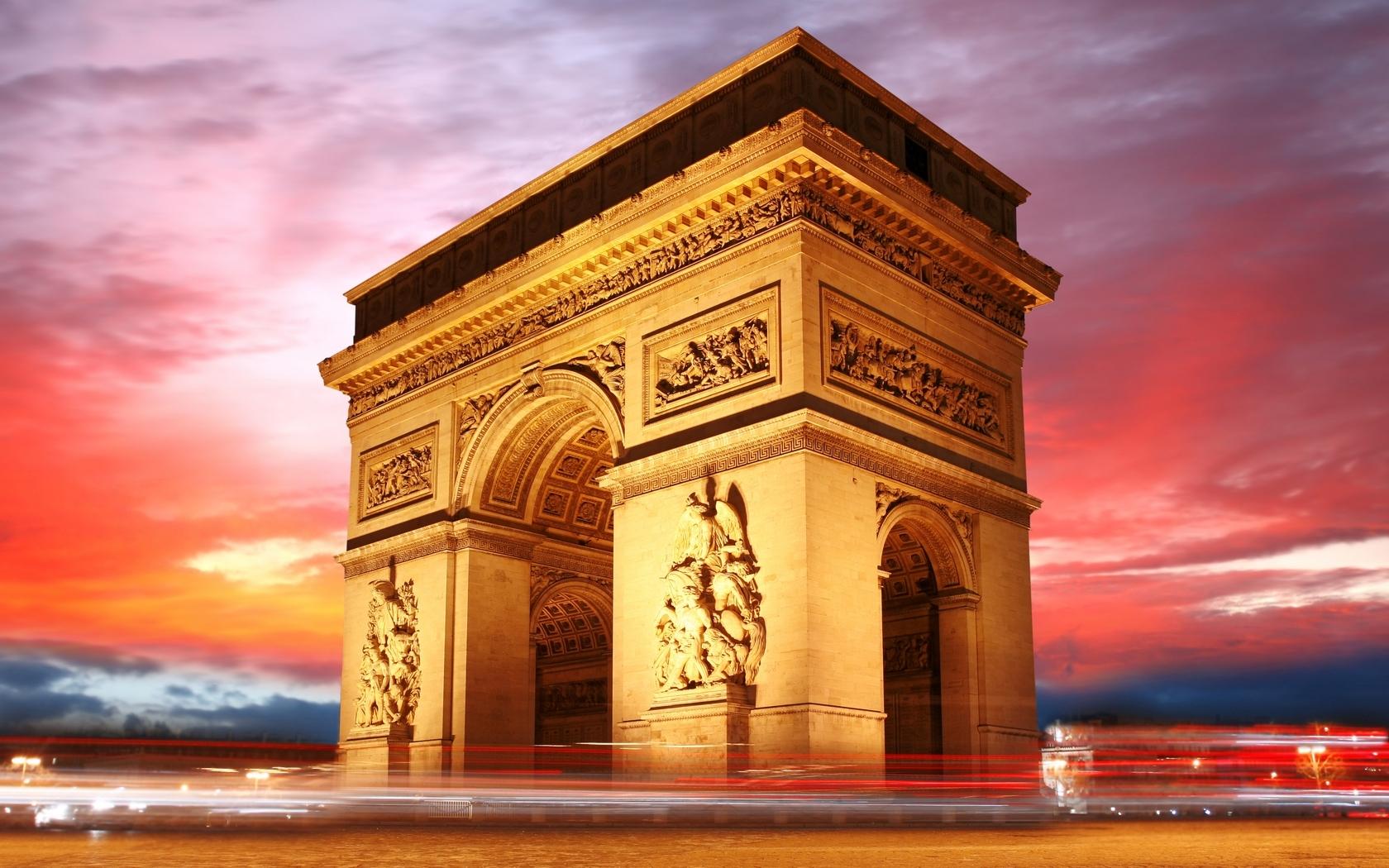 Découverte tout en hauteur de l'Arc de Triomphe